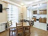 Апартаменты Ривьера в Центре Сочи. Адрес, телефон, фото, цены, отзывы на сайте: sochi.navse360.ru